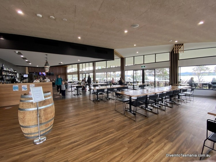 NRMA St Helens Waterfront Holiday Park Parkside bar and kitchen