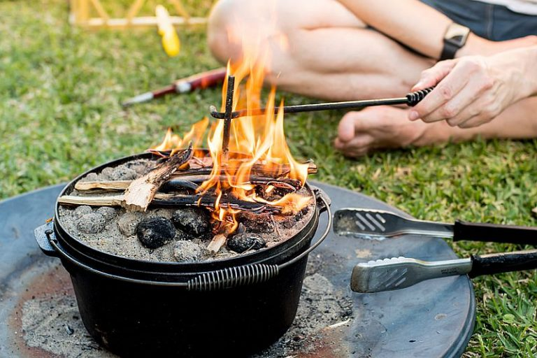 Complete Guide To The Best Camp Ovens Australia [2021]
