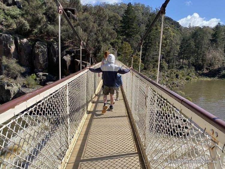 Cataract Gorge suspension bridge (1)