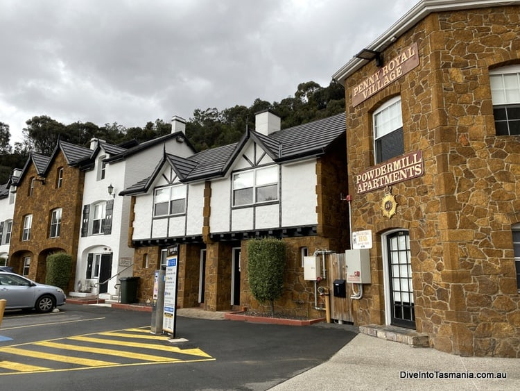 The car park and Penny Royal hotel on arrival