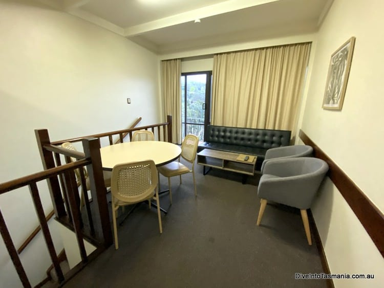 Village Family Motor Inn Launceston living and dining areas
